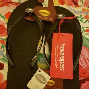 NWT Havaianas Special Collection Black Flip flops
